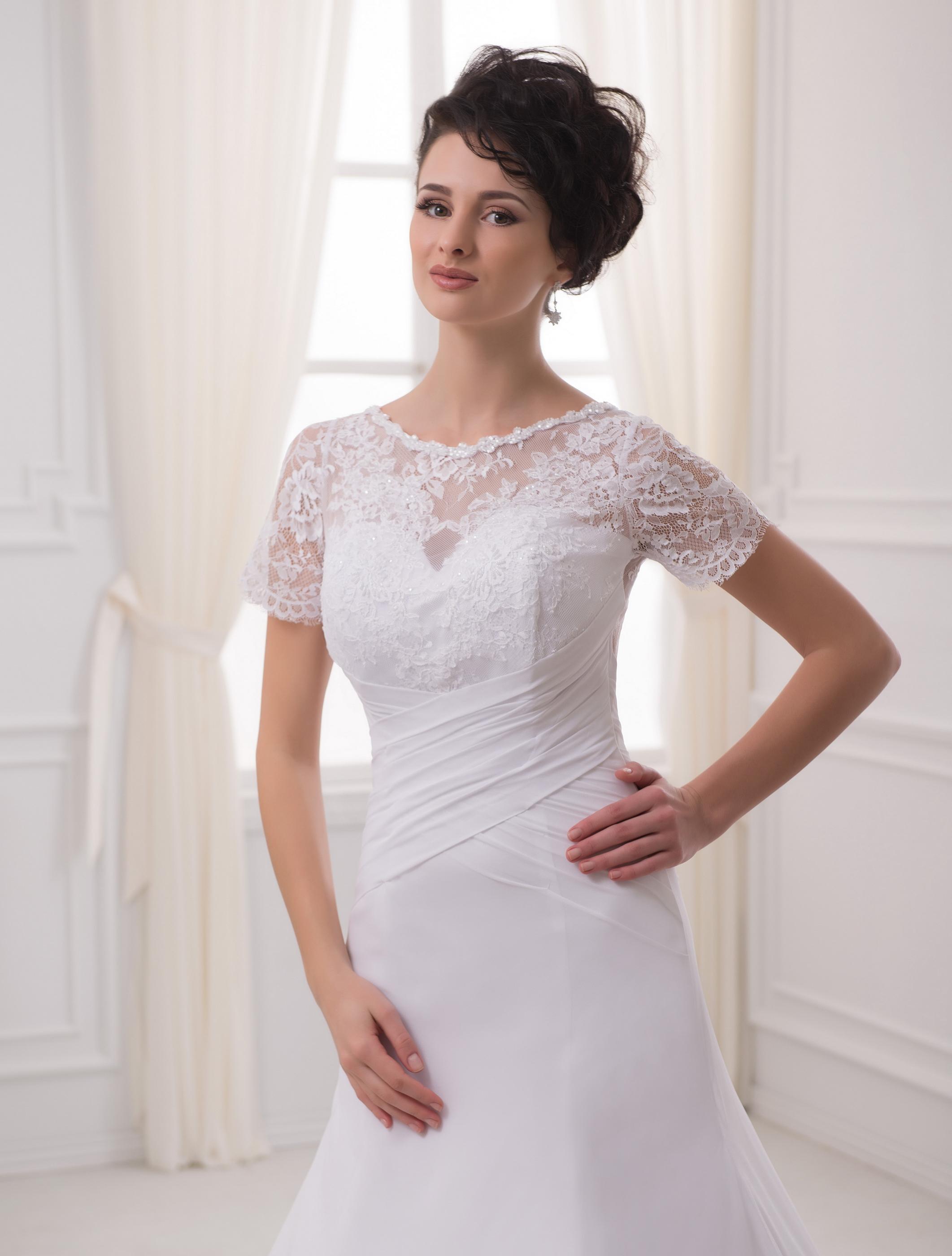 https://voloca-wedding-dresses.com/images/stories/virtuemart/product/VWD_EZ_12_a35.jpg