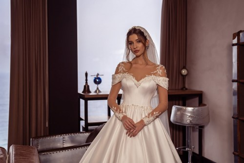 https://voloca-wedding-dresses.com/images/stories/virtuemart/product/VWD-SL08       (3).jpg