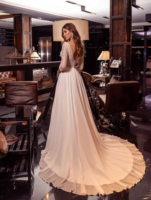 https://voloca-wedding-dresses.com/images/stories/virtuemart/product/VWD-SL16       (2).jpg