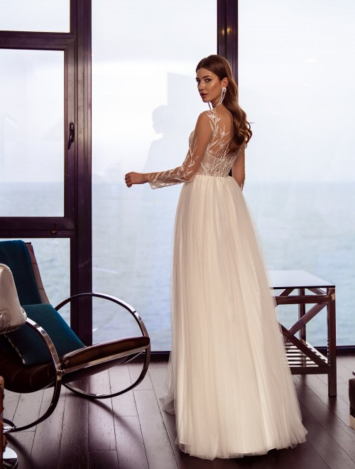https://voloca-wedding-dresses.com/images/stories/virtuemart/product/VWD-SL20       (2).jpg
