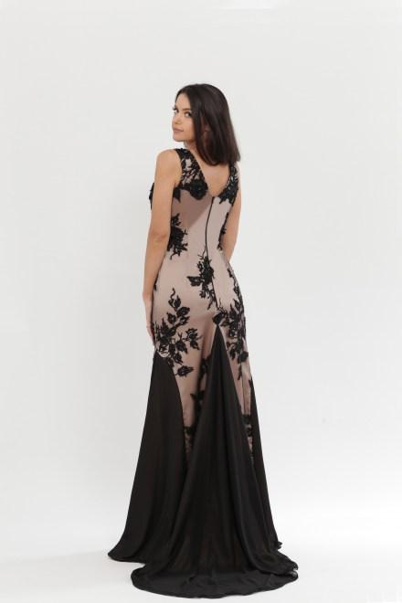https://voloca-wedding-dresses.com/images/stories/virtuemart/product/VWD_DV_15_c.jpg