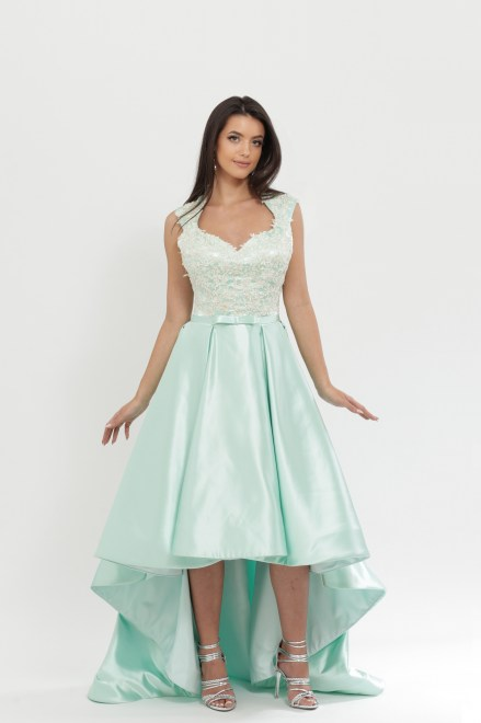 https://voloca-wedding-dresses.com/images/stories/virtuemart/product/VWD_DV_22_a.jpg