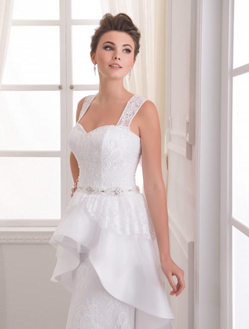 https://voloca-wedding-dresses.com/images/stories/virtuemart/product/VWD_EZ_02_a65.jpg