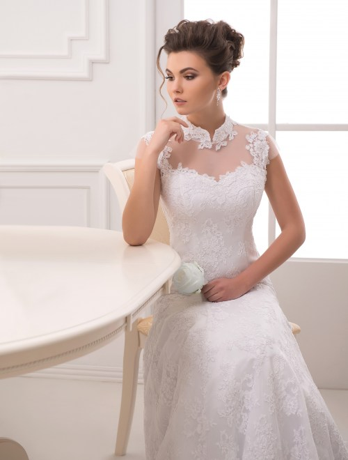 https://voloca-wedding-dresses.com/images/stories/virtuemart/product/VWD_EZ_03_a28.jpg