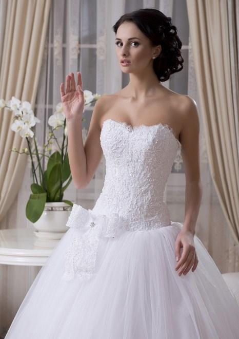 https://voloca-wedding-dresses.com/images/stories/virtuemart/product/VWD_EZ_24_a.jpg