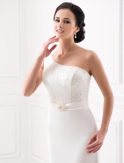 https://voloca-wedding-dresses.com/images/stories/virtuemart/product/VWD_FN_04_b.jpg