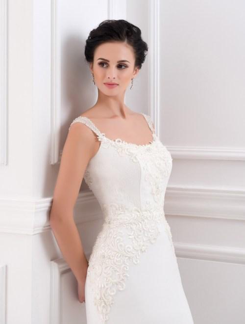https://voloca-wedding-dresses.com/images/stories/virtuemart/product/VWD_FN_05_b.jpg
