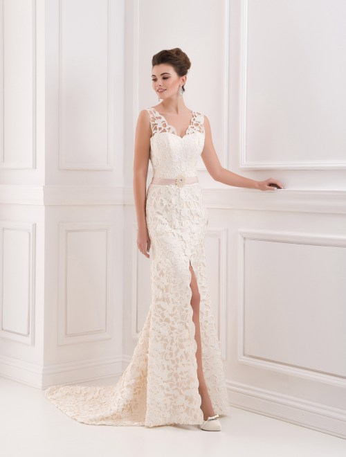 https://voloca-wedding-dresses.com/images/stories/virtuemart/product/VWD_FN_06_a75.jpg