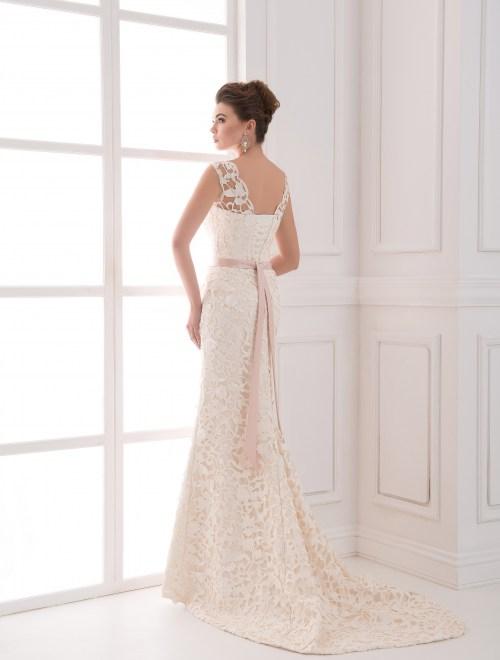 https://voloca-wedding-dresses.com/images/stories/virtuemart/product/VWD_FN_06_c43.jpg