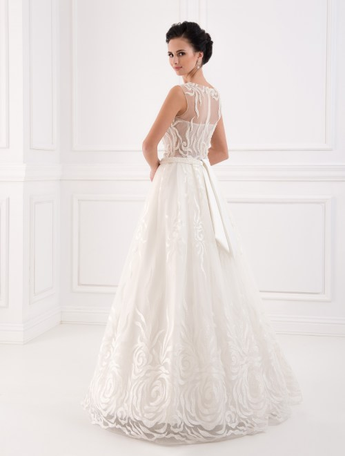https://voloca-wedding-dresses.com/images/stories/virtuemart/product/VWD_FN_07_c.jpg