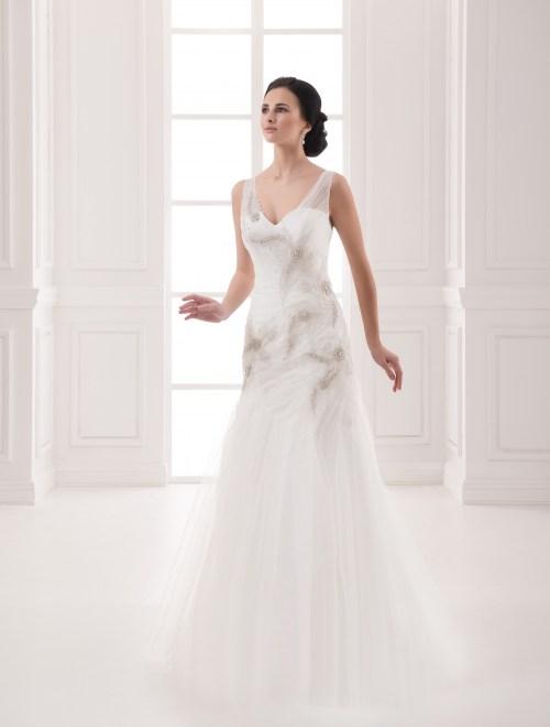 https://voloca-wedding-dresses.com/images/stories/virtuemart/product/VWD_FN_11_a.jpg