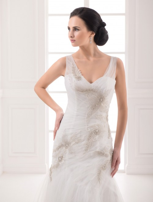 https://voloca-wedding-dresses.com/images/stories/virtuemart/product/VWD_FN_11_b.jpg