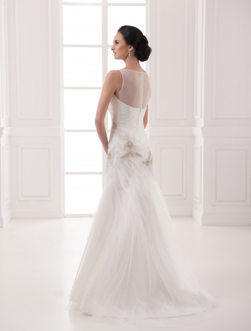 https://voloca-wedding-dresses.com/images/stories/virtuemart/product/VWD_FN_11_c.jpg