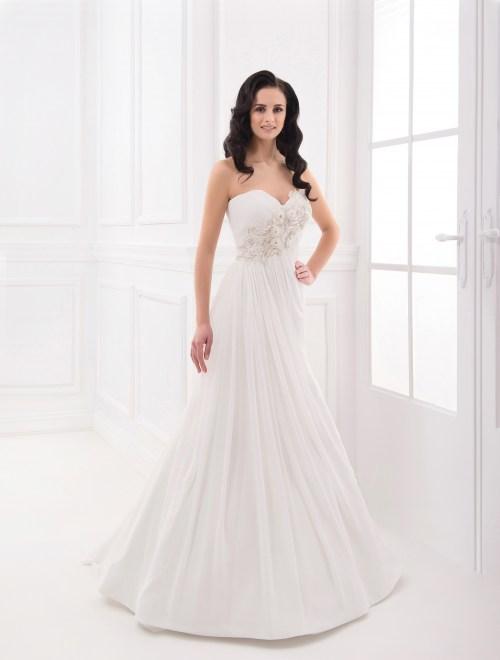 https://voloca-wedding-dresses.com/images/stories/virtuemart/product/VWD_FN_12_a74.jpg