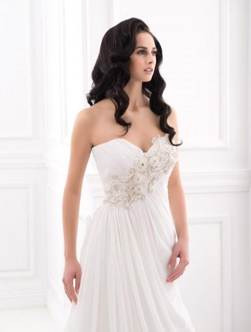 https://voloca-wedding-dresses.com/images/stories/virtuemart/product/VWD_FN_12_b.jpg