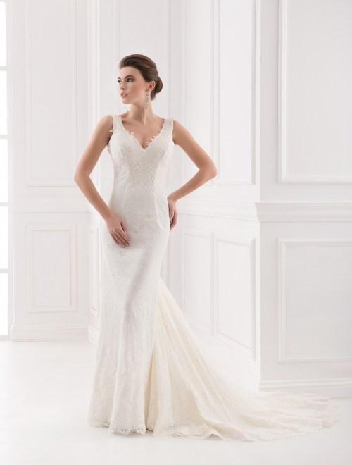 https://voloca-wedding-dresses.com/images/stories/virtuemart/product/VWD_FN_16_a87.jpg