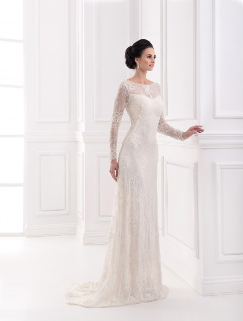 https://voloca-wedding-dresses.com/images/stories/virtuemart/product/VWD_FN_18_a.jpg