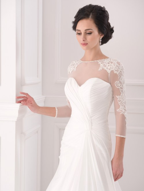 https://voloca-wedding-dresses.com/images/stories/virtuemart/product/VWD_FN_21_b.jpg