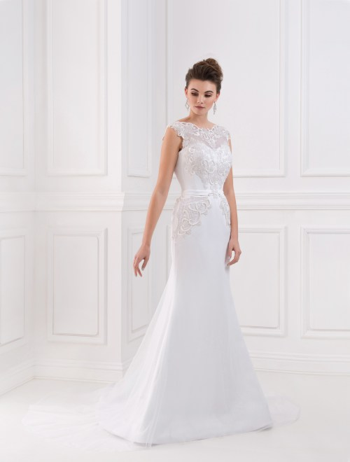 https://voloca-wedding-dresses.com/images/stories/virtuemart/product/VWD_FN_22_a12.jpg