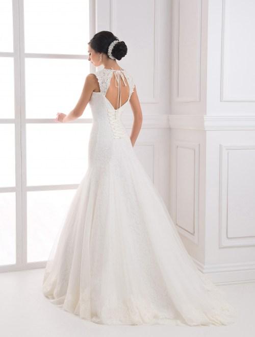 https://voloca-wedding-dresses.com/images/stories/virtuemart/product/VWD_FN_23_c.jpg