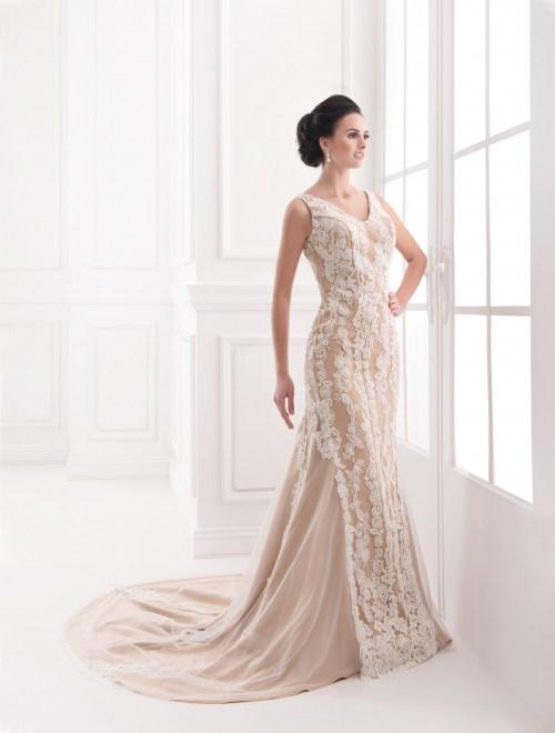 https://voloca-wedding-dresses.com/images/stories/virtuemart/product/VWD_FN_27_a.jpg