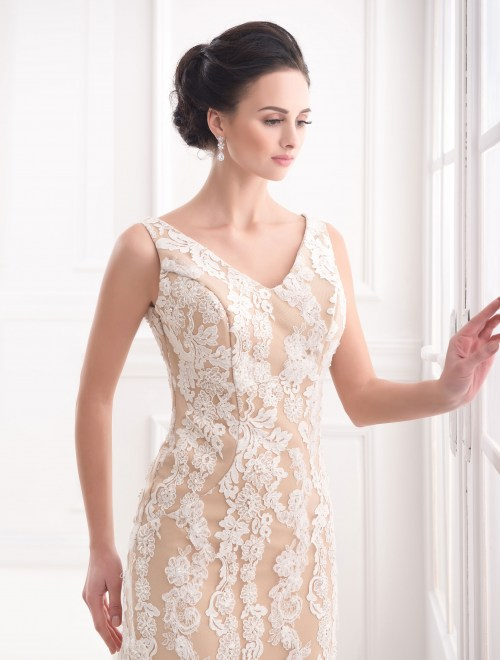 https://voloca-wedding-dresses.com/images/stories/virtuemart/product/VWD_FN_27_b.jpg
