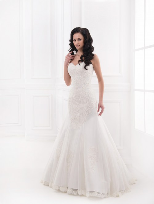 https://voloca-wedding-dresses.com/images/stories/virtuemart/product/VWD_FN_31_a47.jpg