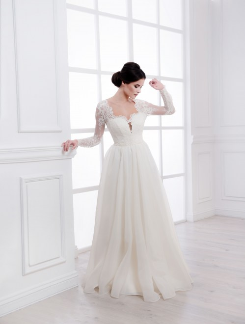 https://voloca-wedding-dresses.com/images/stories/virtuemart/product/VWD_IM_08_a23.jpg