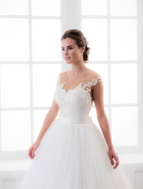 https://voloca-wedding-dresses.com/images/stories/virtuemart/product/VWD_IM_26_b70.jpg