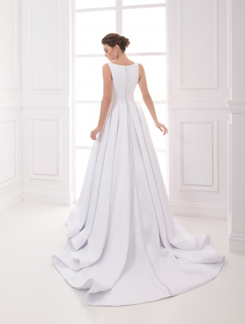 https://voloca-wedding-dresses.com/images/stories/virtuemart/product/VWD_IP_02_c89.jpg
