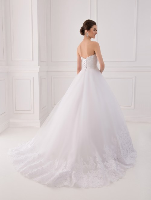 https://voloca-wedding-dresses.com/images/stories/virtuemart/product/VWD_IP_04_c.jpg