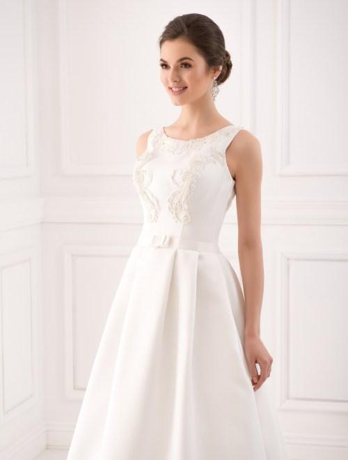 https://voloca-wedding-dresses.com/images/stories/virtuemart/product/VWD_IP_06_b.jpg
