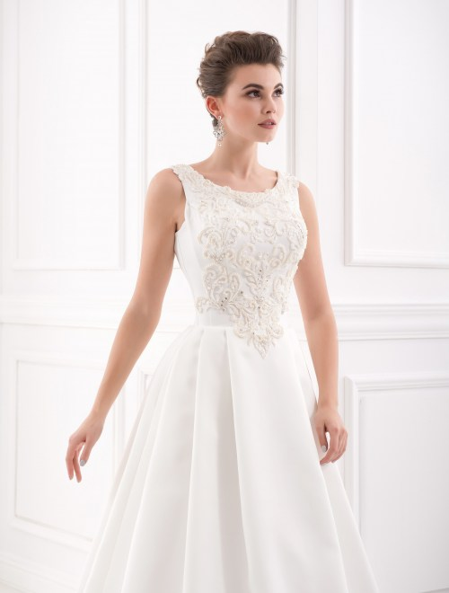 https://voloca-wedding-dresses.com/images/stories/virtuemart/product/VWD_IP_07_b80.jpg