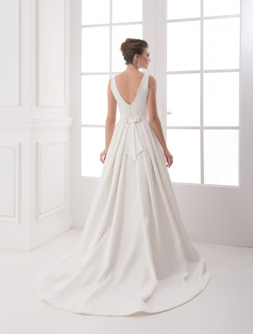 https://voloca-wedding-dresses.com/images/stories/virtuemart/product/VWD_IP_07_c68.jpg