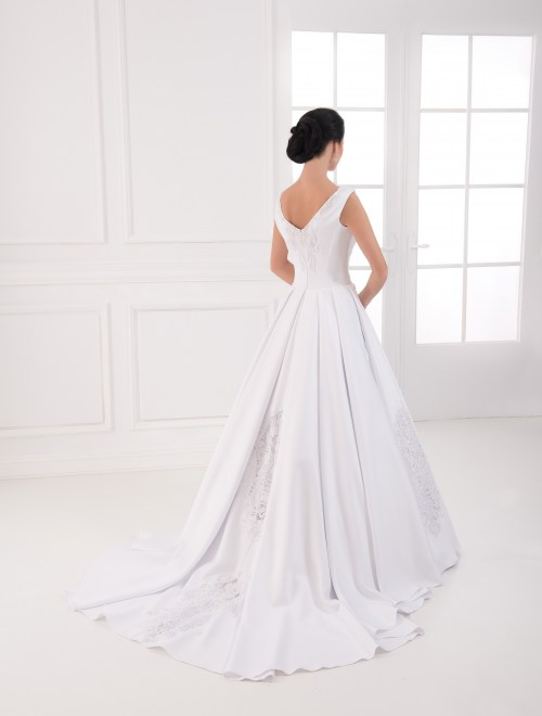 https://voloca-wedding-dresses.com/images/stories/virtuemart/product/VWD_IP_08_c.jpg