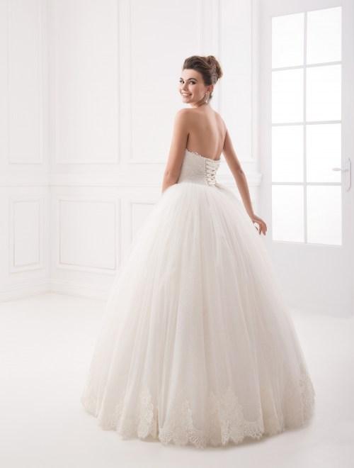 https://voloca-wedding-dresses.com/images/stories/virtuemart/product/VWD_IP_10_c55.jpg