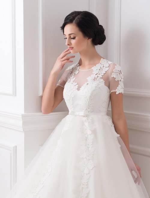 https://voloca-wedding-dresses.com/images/stories/virtuemart/product/VWD_IP_12_b.jpg