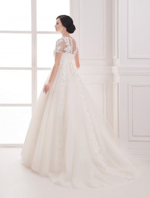 https://voloca-wedding-dresses.com/images/stories/virtuemart/product/VWD_IP_12_c.jpg