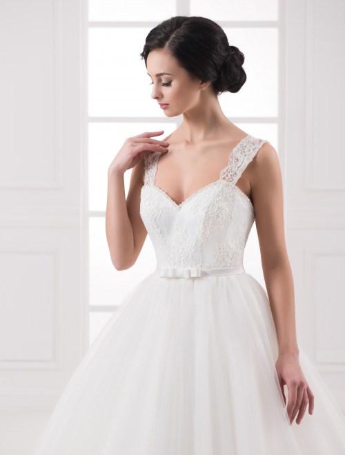 https://voloca-wedding-dresses.com/images/stories/virtuemart/product/VWD_IP_13_b.jpg