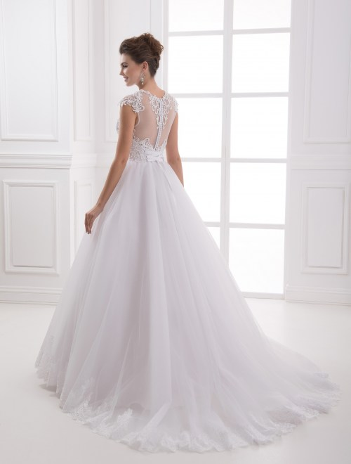 https://voloca-wedding-dresses.com/images/stories/virtuemart/product/VWD_IP_17_c44.jpg