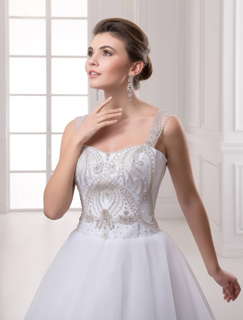 https://voloca-wedding-dresses.com/images/stories/virtuemart/product/VWD_IP_18_b28.jpg