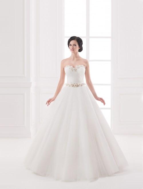 https://voloca-wedding-dresses.com/images/stories/virtuemart/product/VWD_IP_20_a.jpg