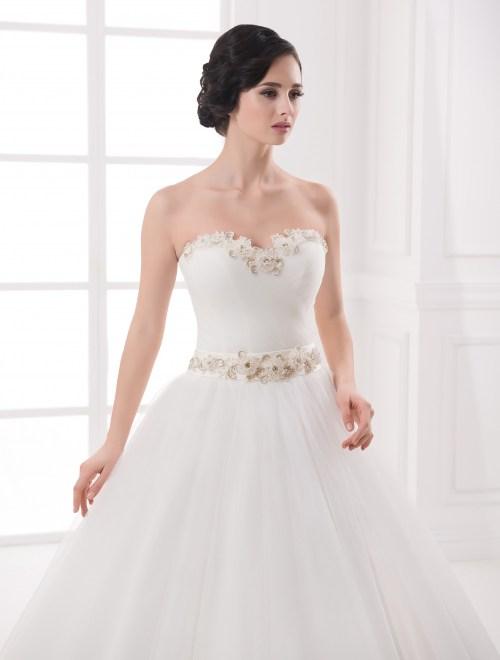https://voloca-wedding-dresses.com/images/stories/virtuemart/product/VWD_IP_20_b.jpg