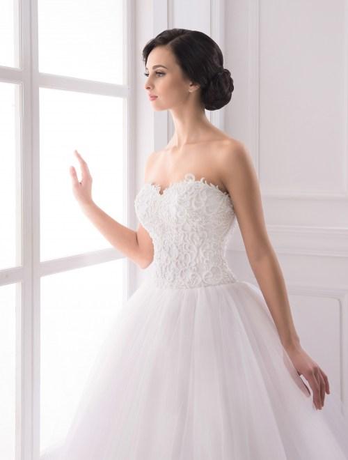 https://voloca-wedding-dresses.com/images/stories/virtuemart/product/VWD_IP_24_b.jpg