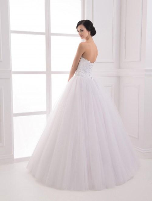 https://voloca-wedding-dresses.com/images/stories/virtuemart/product/VWD_IP_24_c.jpg