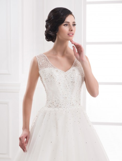 https://voloca-wedding-dresses.com/images/stories/virtuemart/product/VWD_IP_25_b.jpg