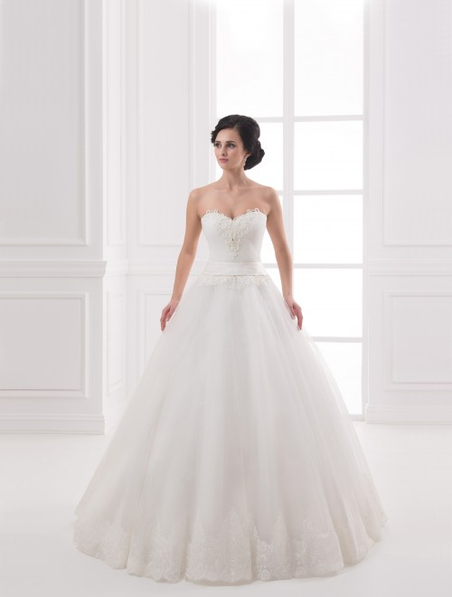 https://voloca-wedding-dresses.com/images/stories/virtuemart/product/VWD_IP_26_a31.jpg