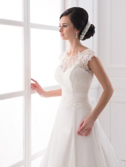 https://voloca-wedding-dresses.com/images/stories/virtuemart/product/VWD_IP_27_b.jpg