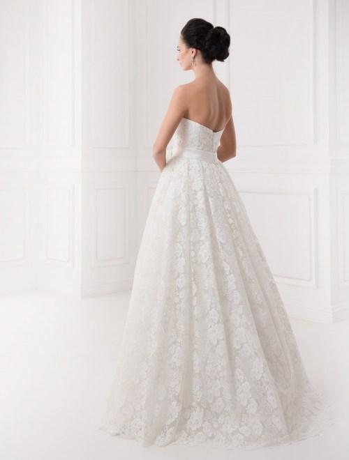 https://voloca-wedding-dresses.com/images/stories/virtuemart/product/VWD_IP_30_c.jpg