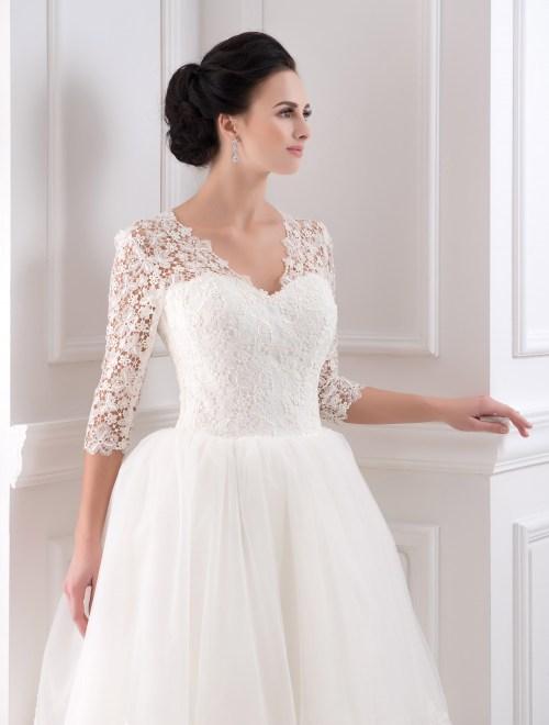 https://voloca-wedding-dresses.com/images/stories/virtuemart/product/VWD_IP_32_b.jpg